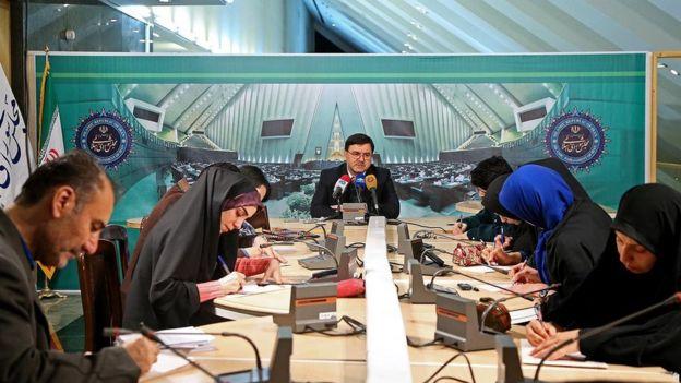 بهروز نعمتی، سخنگوی هیأت رئیسه مجلس درباره جلسه غیرعلنی امروز به خبرنگاران توضیح داد