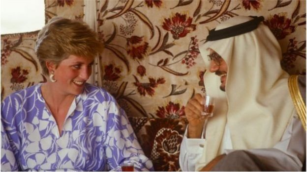 সৌদি আরবের রিয়াদে, ১৯৮৬ সালে সেখানকার এক মরুভূমিতে পিকনিকে অংশ নেন প্রিন্সেস ডায়ানা