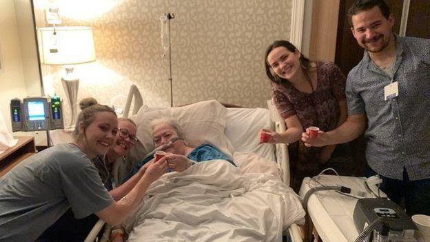 布裏吉德祖母去世前的照片