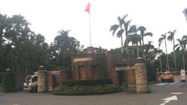 台灣的年輕學者對留在台灣任教的意願越來越低,人才流失的情況也越來越惡化(圖為台灣大學校門)