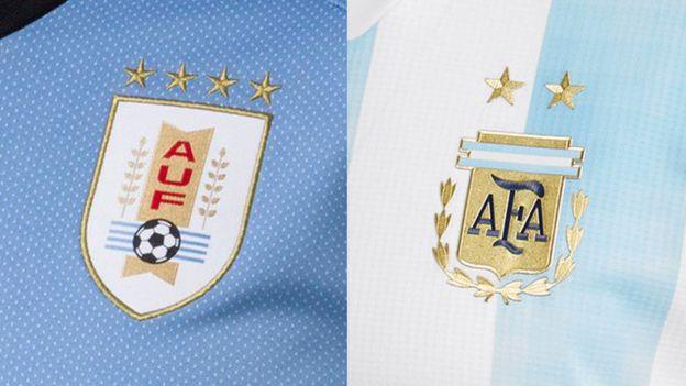 Escudos de las camisetas nuevas de Uruguay y Argentina.