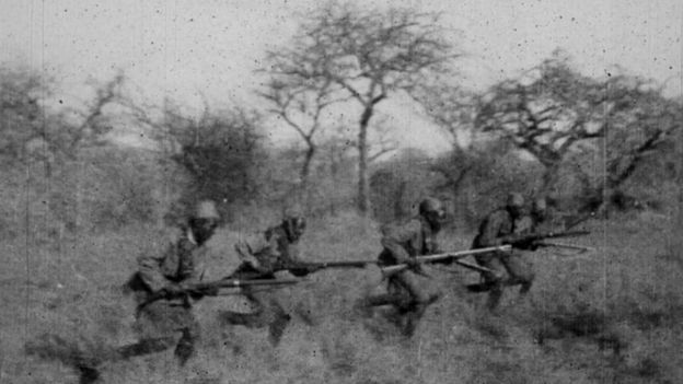 Black and white picture of African soldiers