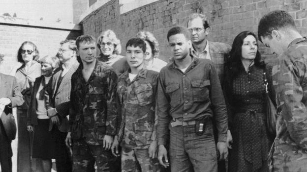 1979ஆம் ஆண்டு இறுதியில் பிடித்து வைக்கப்பட்டிருந்த 52 அமெரிக்க பிணைக் கைதிகள்