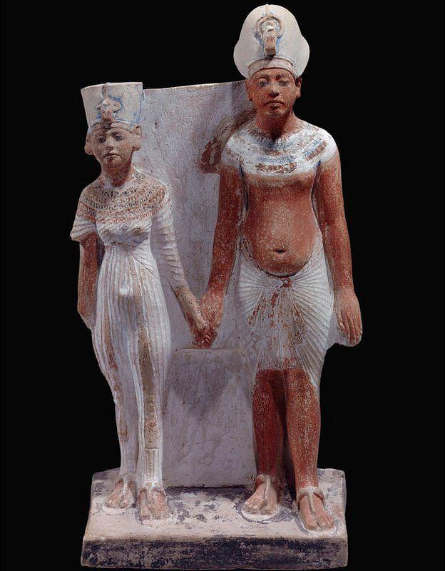 Estátua de Aquenatón e Nefertiti