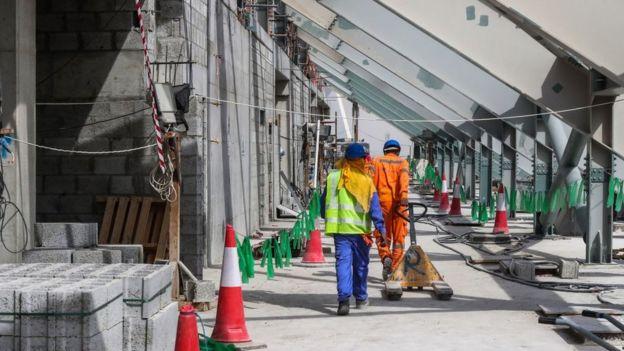 Katar inşaat işçileri