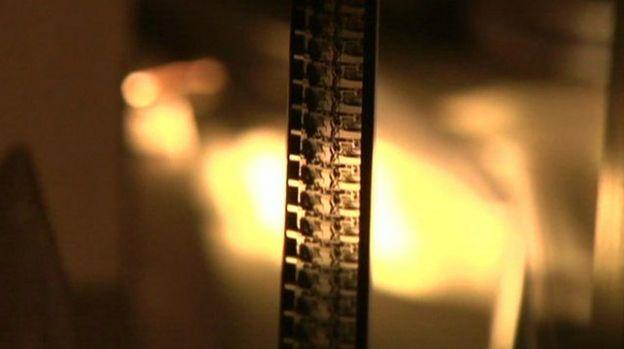 เซลลูลอยด์เป็นพลาสติกที่ขับเคลื่อนวงการภาพยนตร์ฮอลลีวูดให้เติบโต