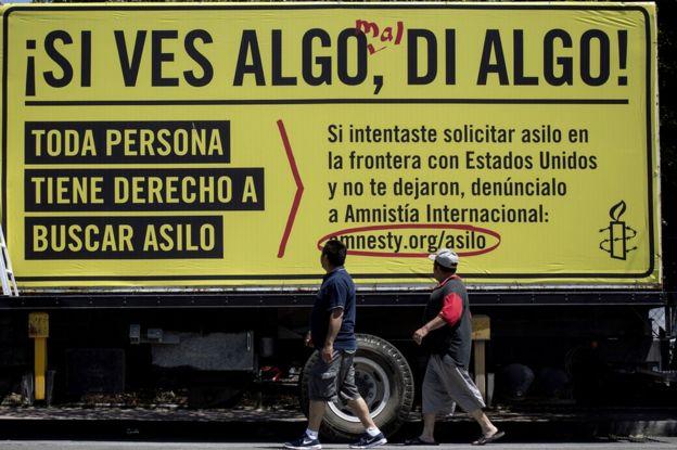 Mensaje de Amnistía Internacional en apoyo a aquellos que buscan asilo.