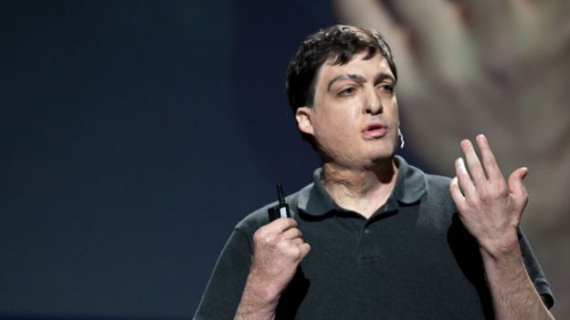 Dan Ariely during a TED talk he gave in 2009. (Photo: Bill Holsinger-Robinson / Wikimedia Commons)