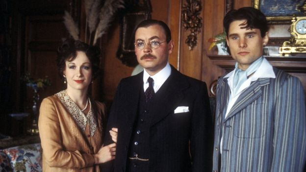 Cheryl Campbell, Hywel Bennett and Christopher Guard in Malice Aforethought