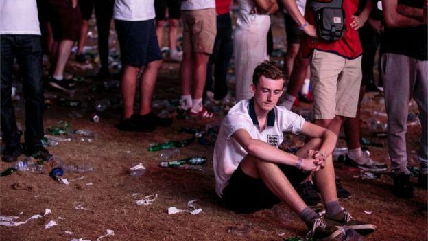 海德公園的球迷在賽後神情落寞。