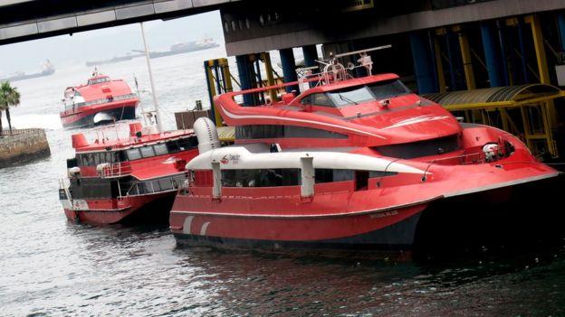 香港港澳碼頭停靠的信德中旅船務港澳客輪(13/6/2018)