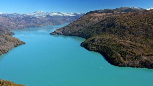 El lago Kanas