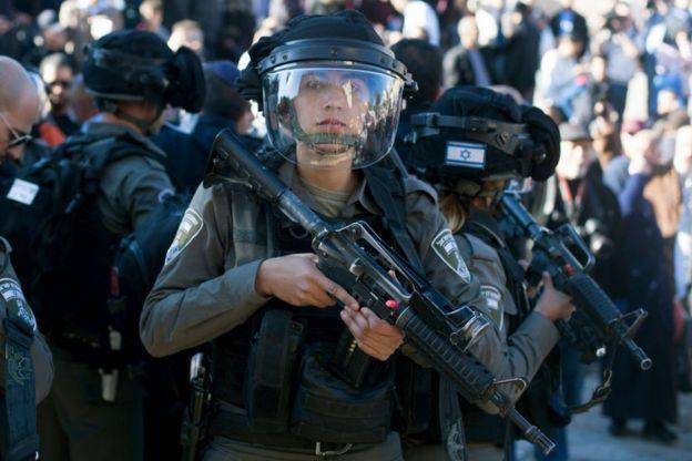 Старый город Иерусалима патрулируют усиленные полицейские наряды