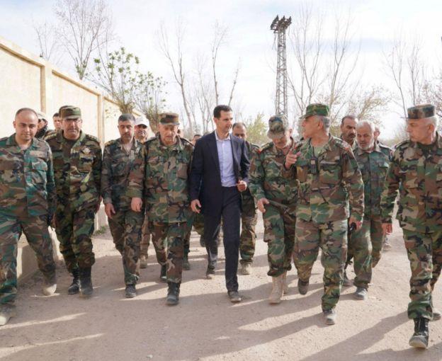 Al Asad cuenta con defensas antiaéreas adquiridas a Rusia.