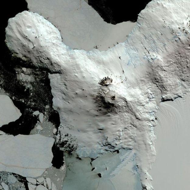 Vulcão ativo na Antártida