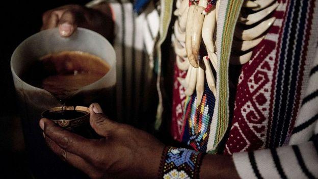 Ceremonia de ayahuasca en La Calera, Colombia.