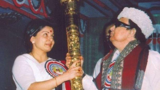 இந்தியாவில் நடந்த 6 நம்பிக்கை வாக்கெடுப்புகள் - ஒரு தொகுப்பு