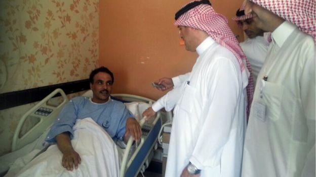 Paciente recebe uma visita na Arábia Saudita