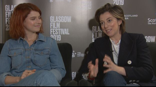 Jessie Buckley (left) & Nicole Taylor (right)
