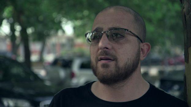 Hussein, morador de Rosengard, em Malmo, em entrevista à BBC