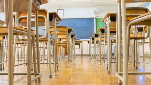 O modelo  linha dura  de educação que pôs um pequeno país asiático ... 39352b815f834