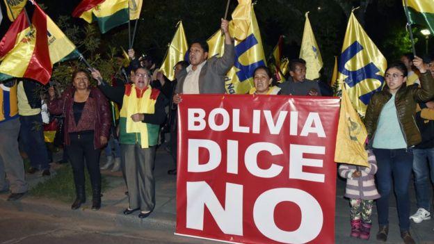 Protesta contra la candidatura de Morales.