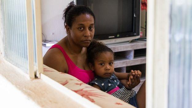 Simone Silva e a filha Sofya
