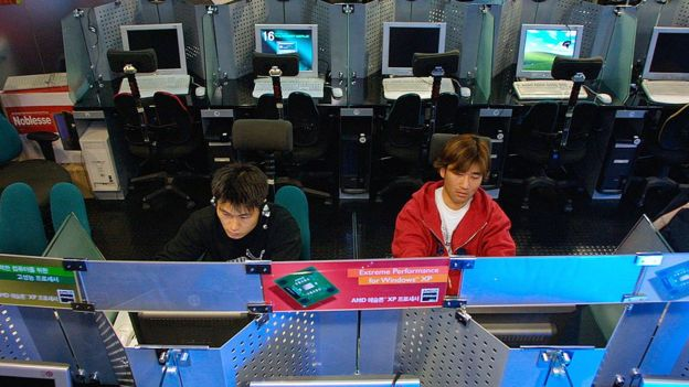 This internet cafe in South Korea was practically empty after an SQL Slammer infection in 2003