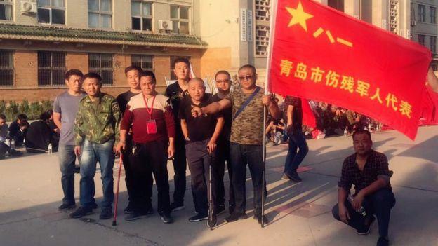 抗議的老兵中,也包括傷殘軍人