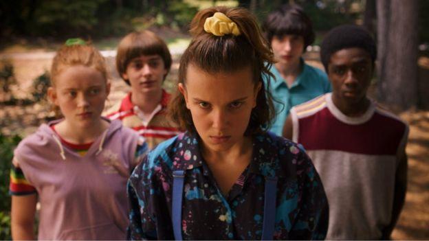 مشهد من أحد الأفلام التي تبث حسب الطلب