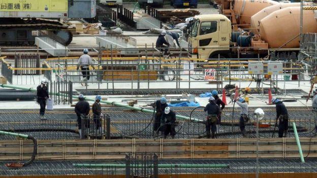 Xây dựng là ngành thu hút nhiều thực tập sinh nước ngoài, từ các nước như Trung Quốc, Việt Nam, Indonesia