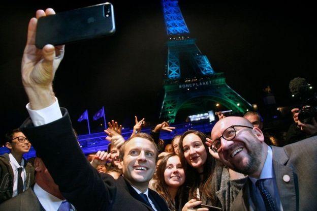 Madaxweyne Emmanuel Macron ayaa ka mid ah macaashiimada badan ee Faransiiska ah ee iphone isticmaala