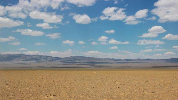 Un paisaje desierto de Mongolia