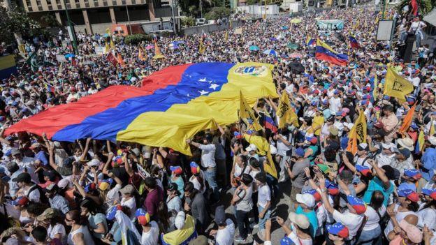 La oposición venezolana ha respondido con manifestaciones masivas a las convocatorias de Guaidó.