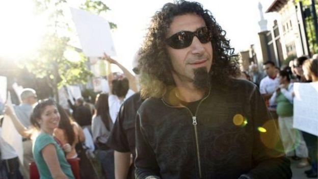 System Of A Down rok qrupunun solisti Serj Tankian