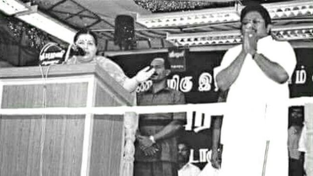 LIVE: ஆர்.கே.நகர் இடைத்தேர்தல் - 40,000 வாக்குகளை கடந்து தினகரன் தொடர்ந்து முன்னிலை