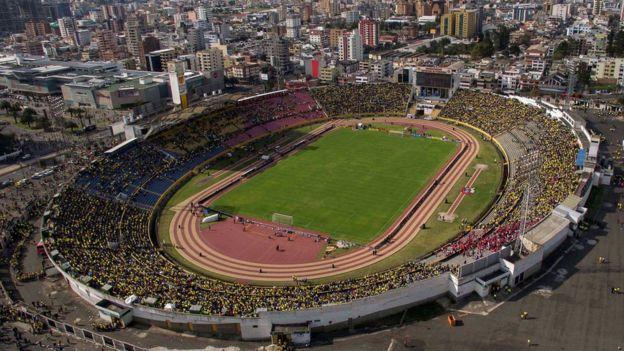 Imagen panorámica del estadio Atahualpa en Quito.