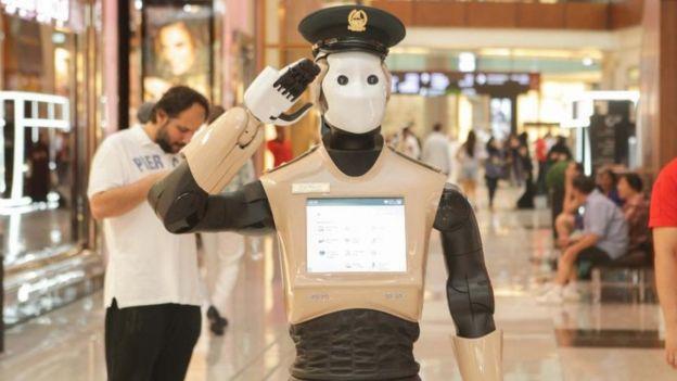 Roboti ya polisi yaanza kufanya kazi Dubai