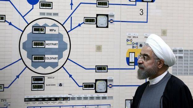 روحانی در نیروگاه بوشهر