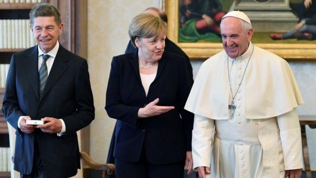 Merkel, Joachim Sauer y el Papa