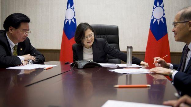 台灣總統蔡英文在特朗普當選總統後電話道賀