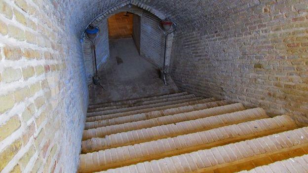 آب انبار و قنات تاریخی ابراهیم آباد اراک