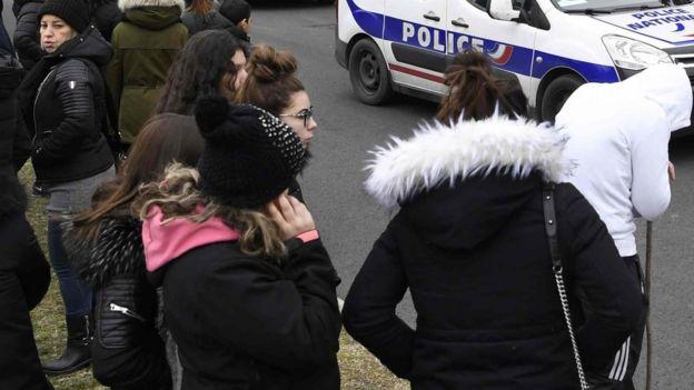 168adc13b سن ممارسة الجنس في فرنسا 15 عاما - BBC News Arabic