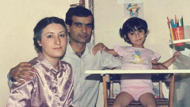 محمد جعفر بوينانده وزوجته وابنته