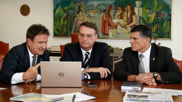Reunião de Evaristo Eduardo de Miranda, chefe da Embrapa Territorial, com Bolsonaro e o então ministro-chefe da Secretaria de Governo da Presidência da República, general Santos Cruz em janeiro de 2019.