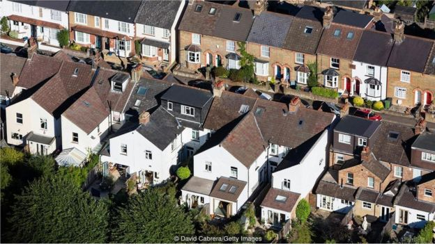 对于企业业主和潜在雇员来说,伦敦高昂的住房成本可能会是一个问题。
