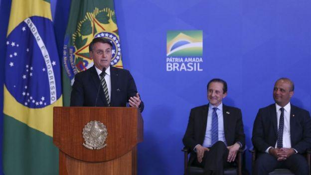 O presidente Jair Bolsonaro discursa durante eventos no Palácio do Planalto