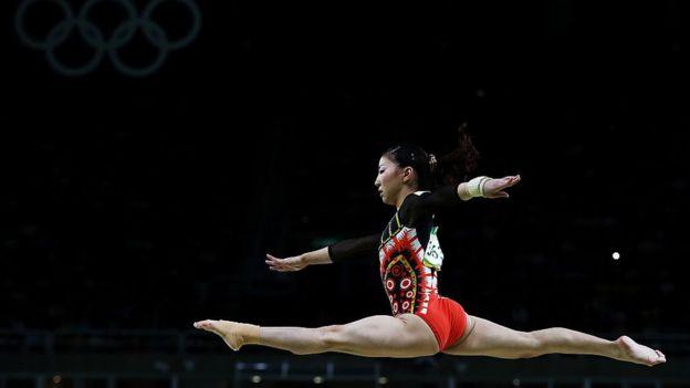 Asuka Teramato performing at the Rio Olympics