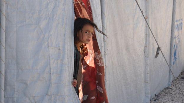 kampta bir kız çocuğu