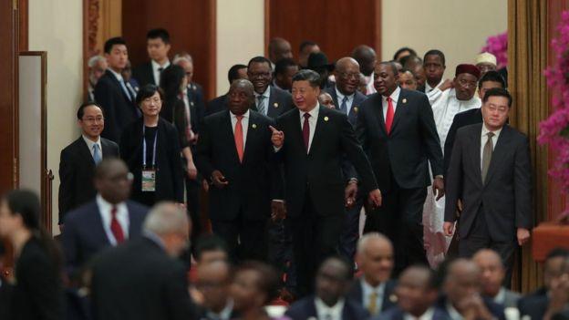 Xi Jinping junto a líderes africanos en el Gran Palacio del Pueblo de Pekín, durante la cumbre del FOCAC 2018.